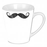 Hrnek latte, Knír